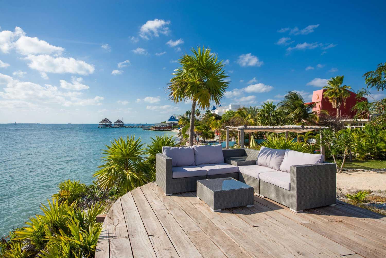 Casa Coco Platform Lounge with Beach View