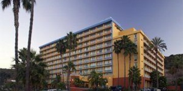 Holiday Inn Select   San Diego, CA | 3 Star | 318 Rooms | Status: EXITED