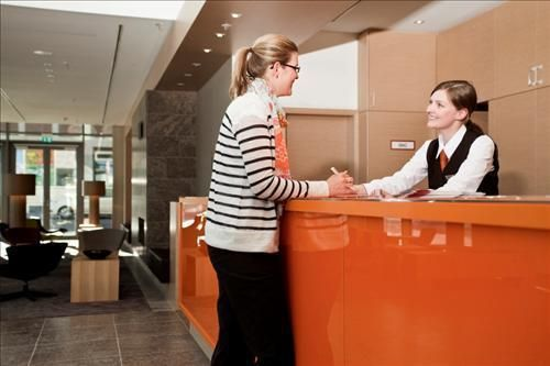 receptionist1.jpg
