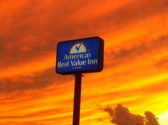Americas Best Value Inn   Holbrook, AZ Status: CURRENT (928) 524-6216