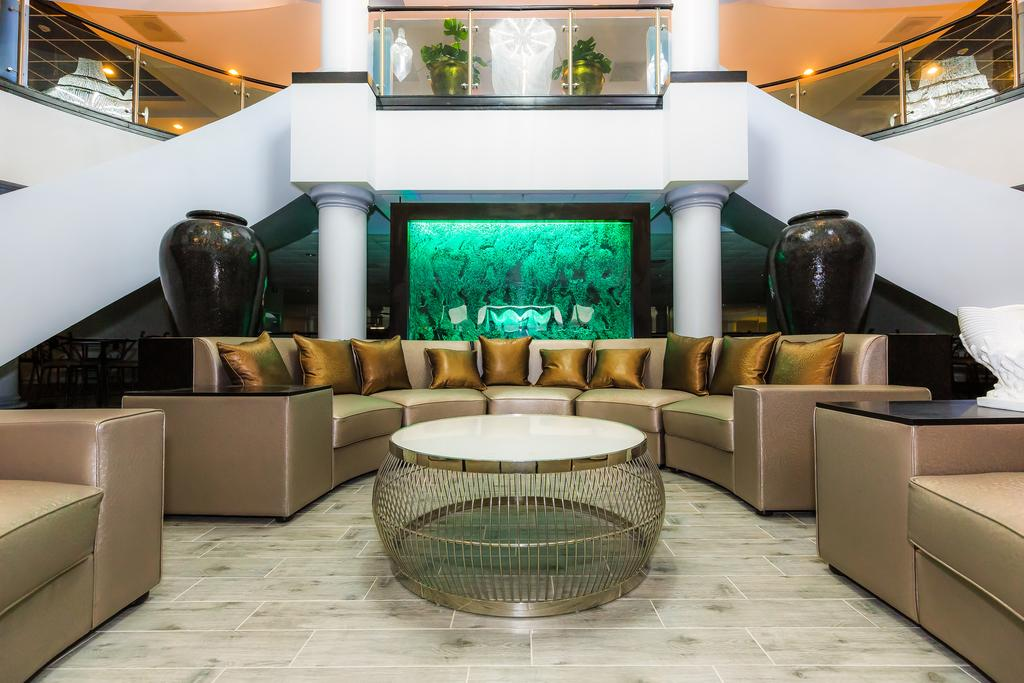 Regalia Hotel and Conference Center Lake Ozark.jpg