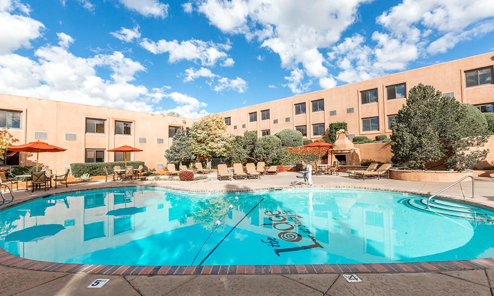Lodge-at-Santa-Fe-Pool-Oyster.jpg