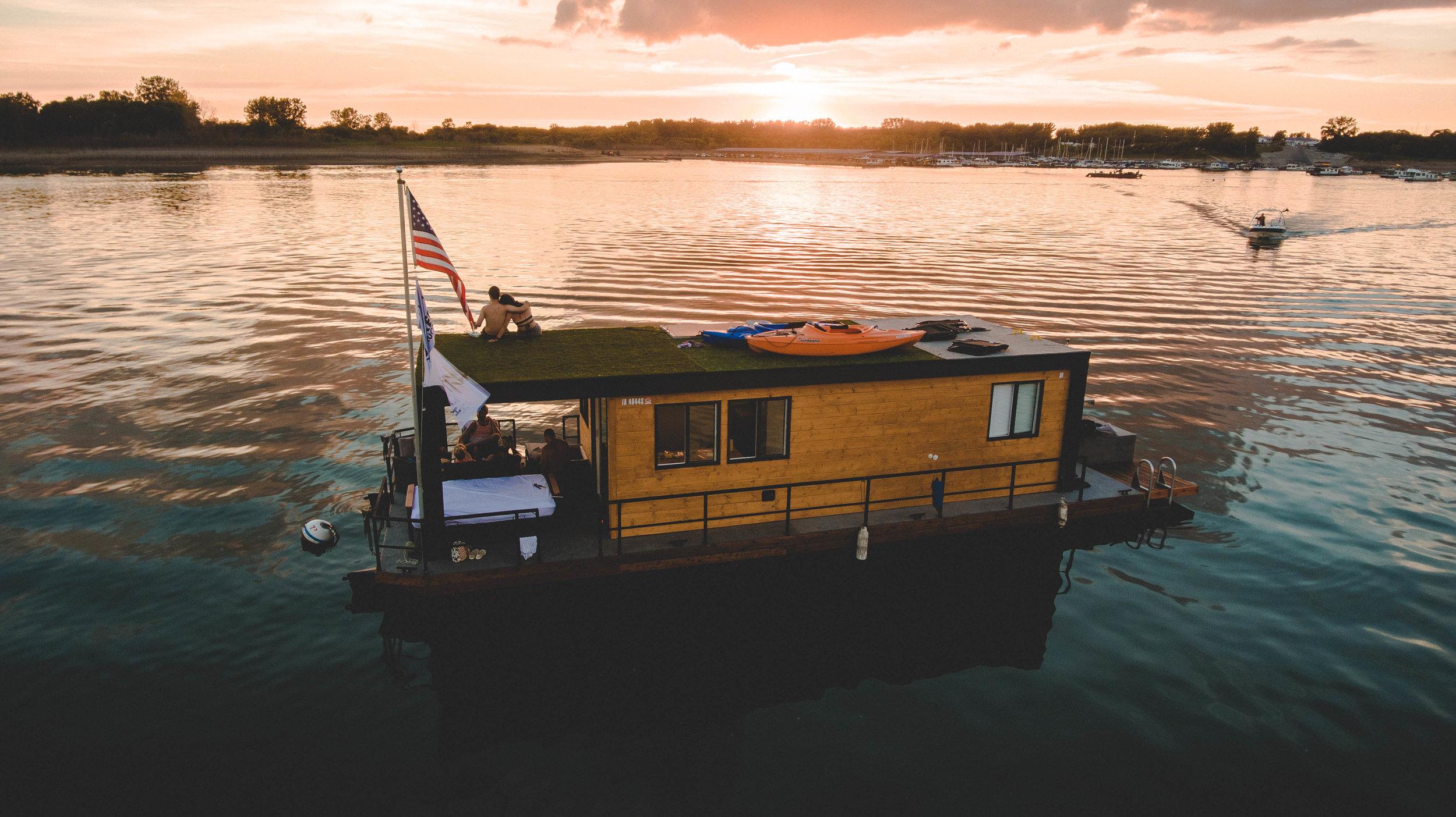 House-Boat-Day1-8.jpg