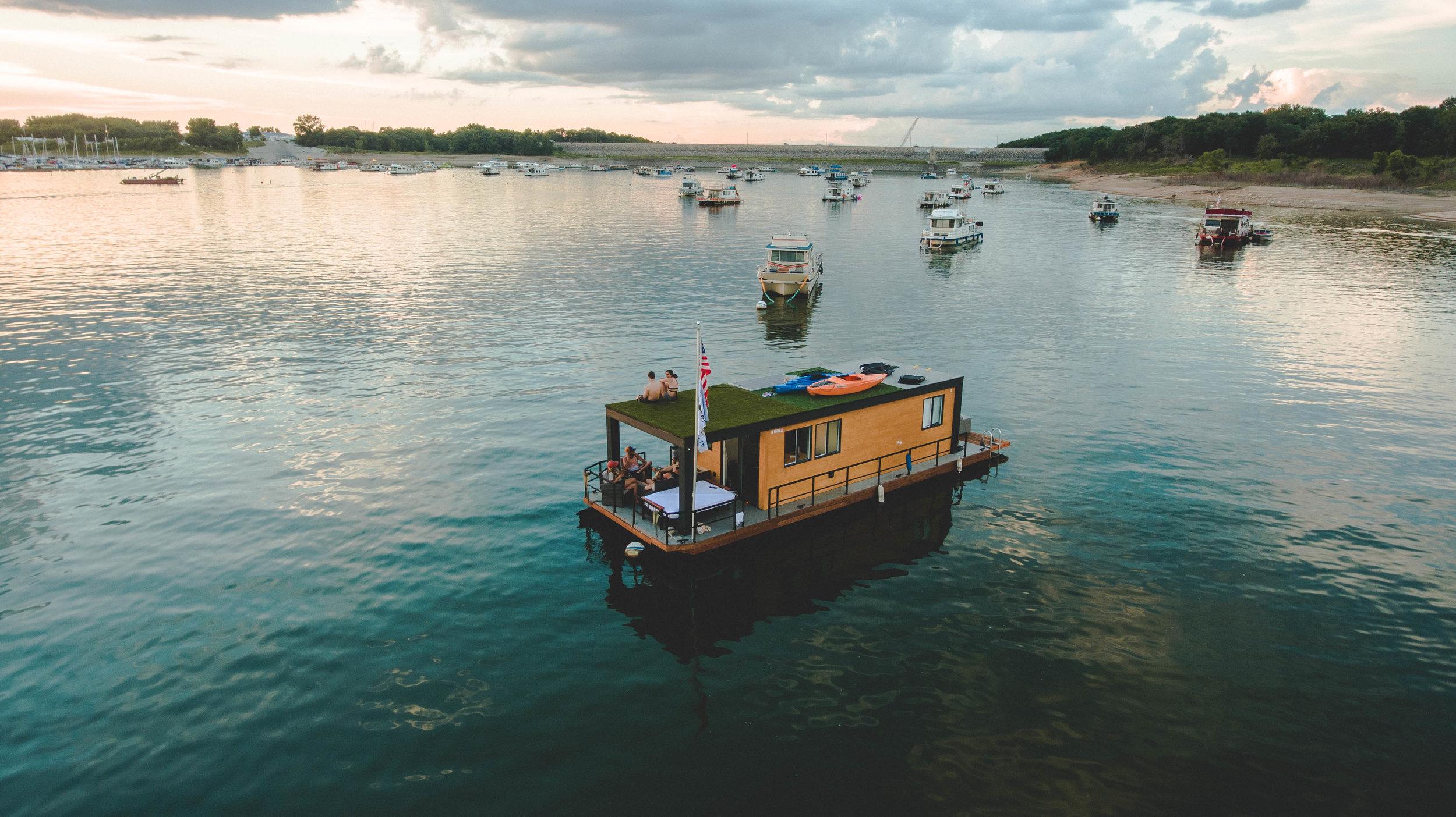House-Boat-Day1-6.jpg