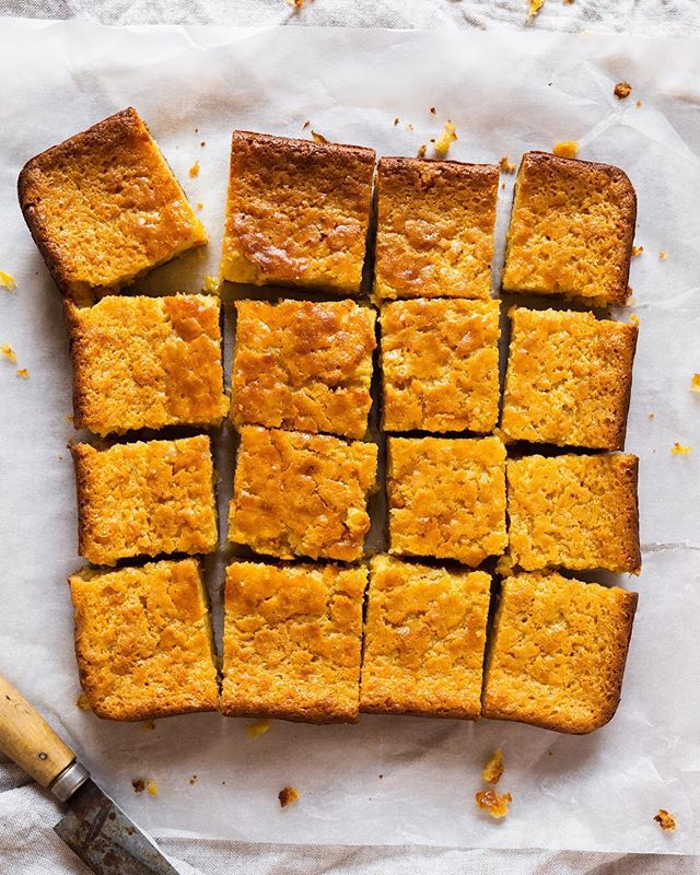 Spending a fun evening with two of my favorites @husbandsthatcook at the @thefeedfeed kitchen! And yes of course we made it this epic Life Changing Corn Bread!! 😍❤️ . . . . #cornbread #corn #bread #baking #bakinginspo #bakinginspiration #husbandsthatcook #heresmyfood #foodphotography #foodstyling #cookshala #bakingfun #foodstagram #thefeedfeed