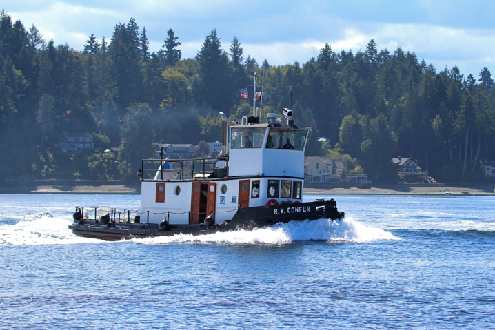 R.W. Confer Racing at Olympia Harbor Days 2016 (Photo courtesy of LG Evans Maritime Images)