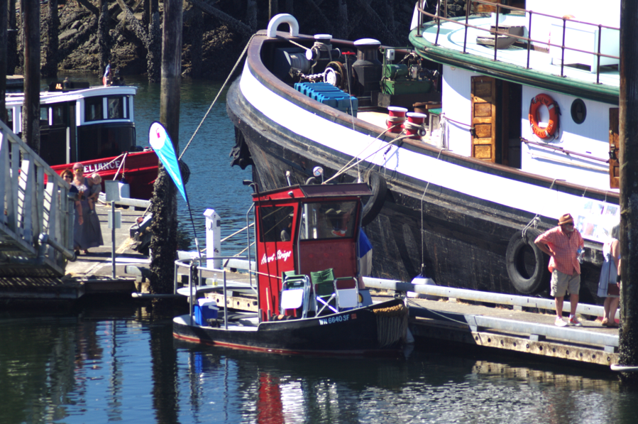 Heart Strings hangs with the big tugs at Olympia Harbor Days 2016 (OHD Stock Photo)