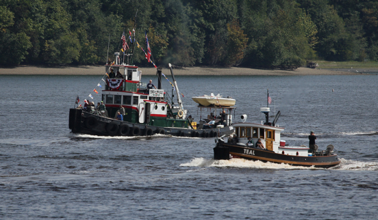 Tug Thea Belle and Tug Teal Heading to the OHD races. Photo courtesy of LG Evans Maritime Images