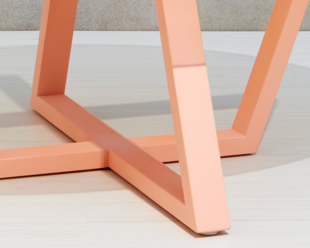 Nuovo-Trapezoid-Table-Small-Detail