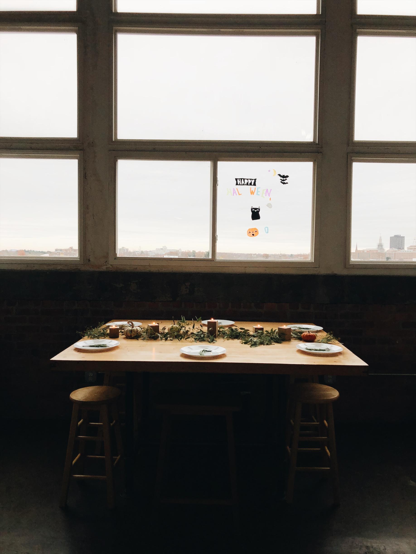 anaise_prince_friendsgiving_tablescape