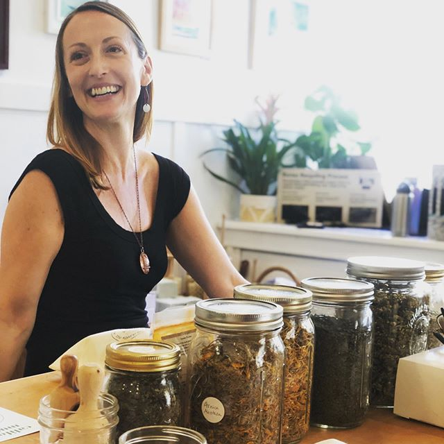 We had so much fun with @verdant.california at our herbal infusions workshop! Thank you Liz and to all the wonderful individuals who participated 🥰 Keep a look out for a salve making class we have in the works with Liz, this upcoming month! 🌿💫Want to stay up to date on our future workshops? Sign up to our newsletters! 💙