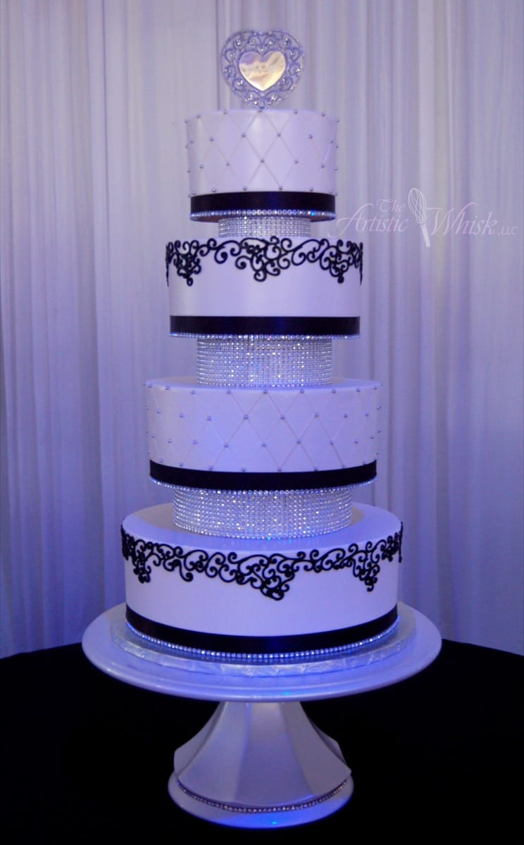 buttercream-with-bling-spacers-09-14-09-853-io.jpg
