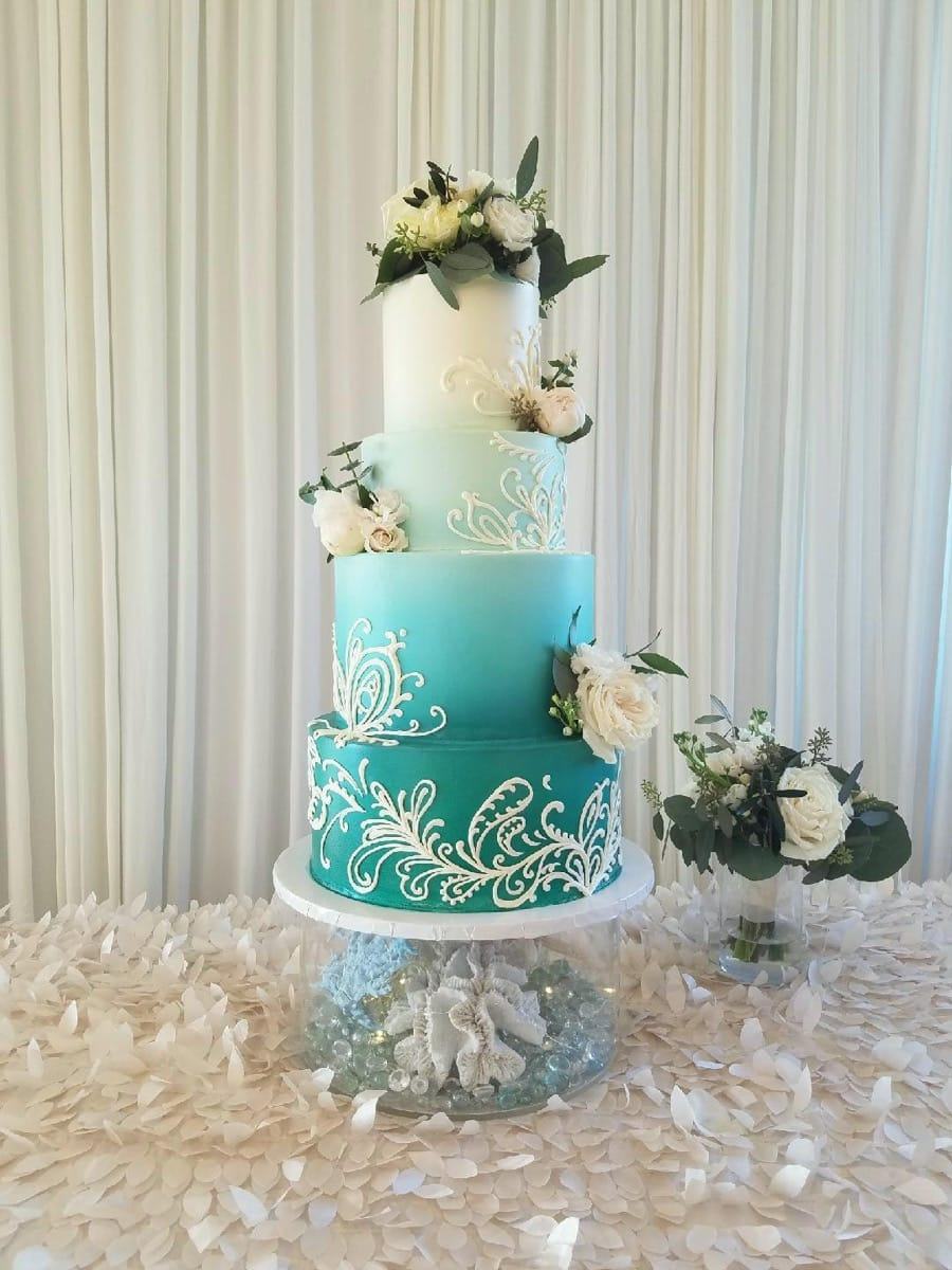 blue-green-ombre---smooth-buttercream-with-piped-design---fresh-flowers-by-2-birds-events-09-14-03-901-io.jpg
