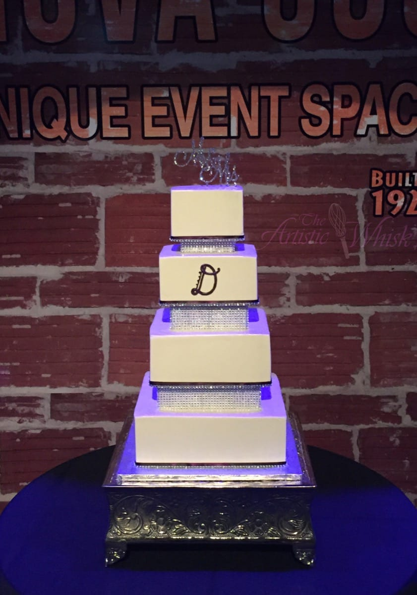 square-buttercream-with-bling-spacers---gluten-free-io-02-45-58-766-io.jpg