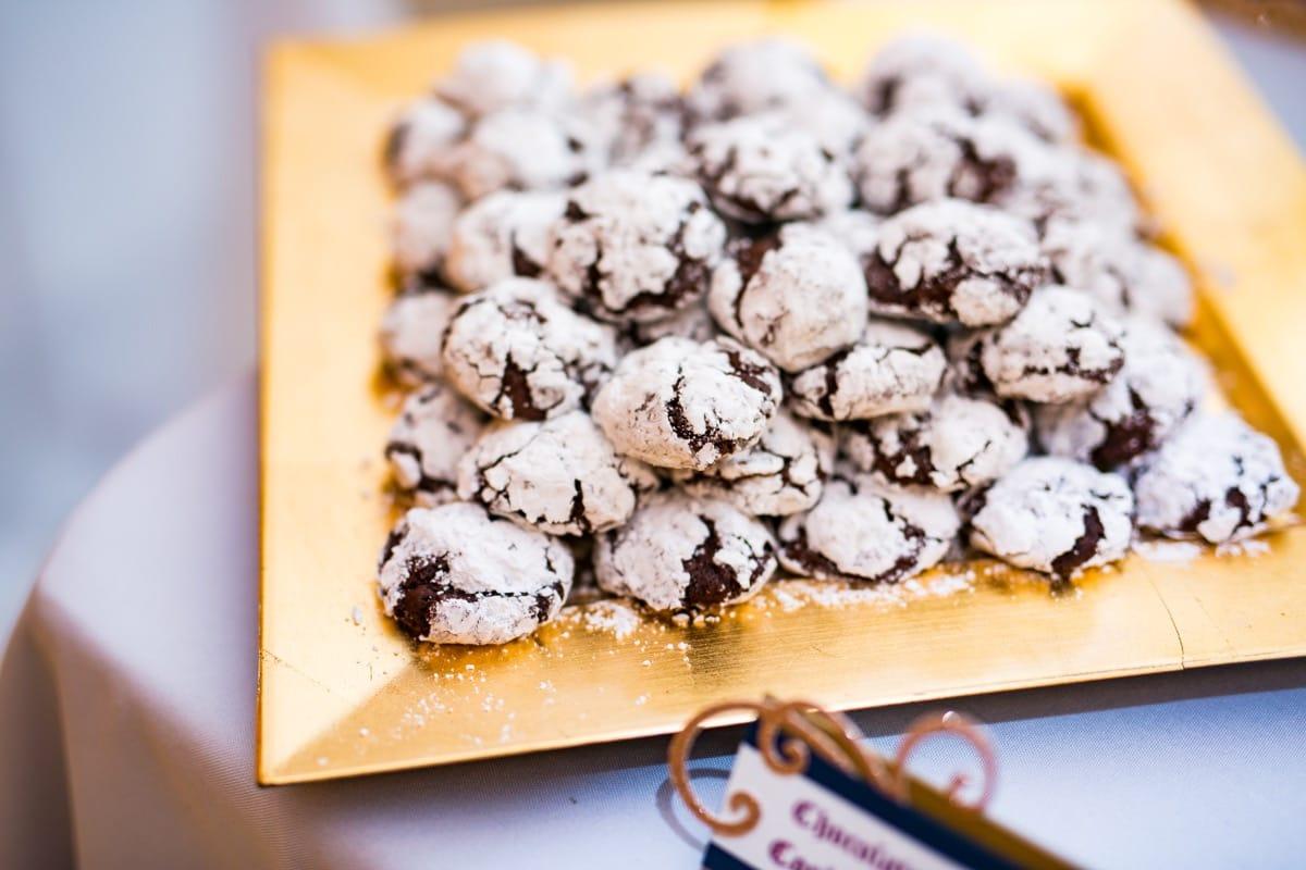 sarina's-dessert-table,-chocolate-crackle-cookies---masha-creative-photography-09-01-52-778-io.jpg