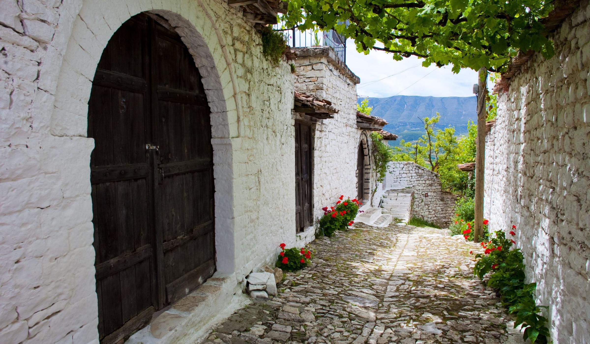 Albania southern street.jpg