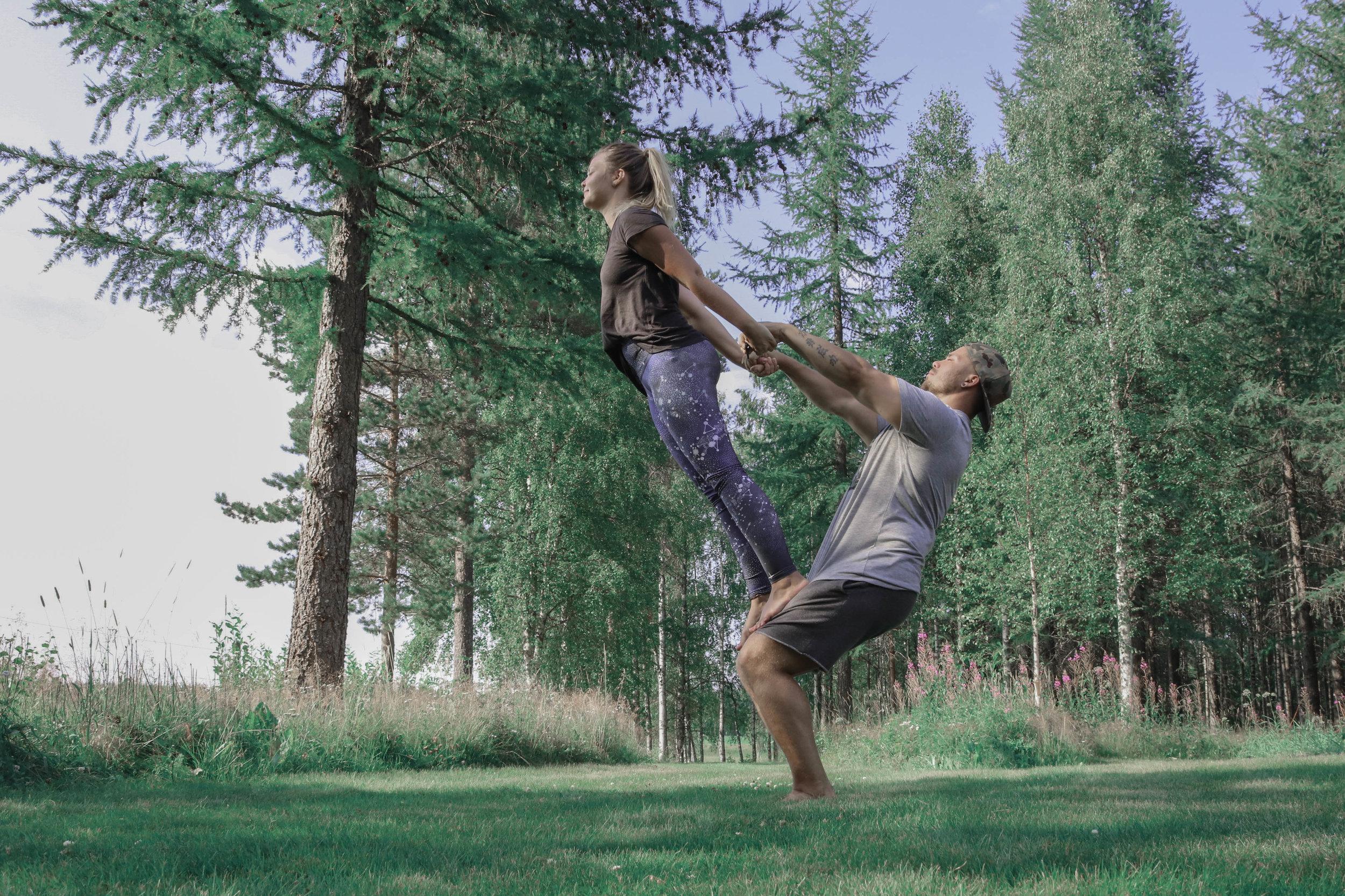 acro_yoga.jpg