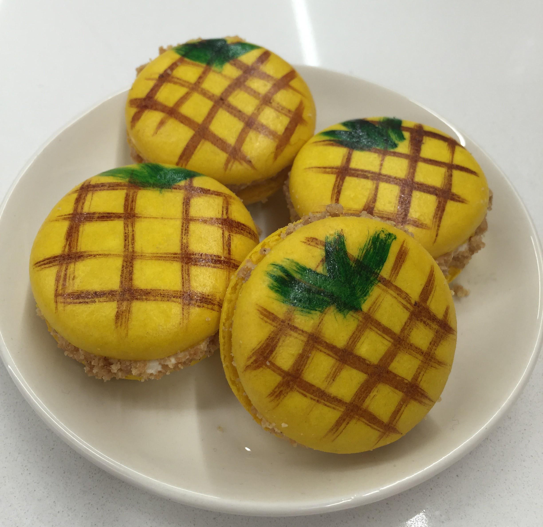 mac pineapple upside down.png