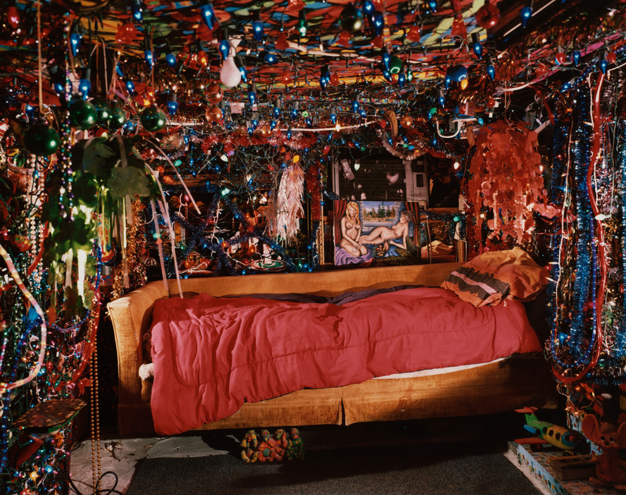 USA. Kenner, Louisiana. 2002. Herman's bed.