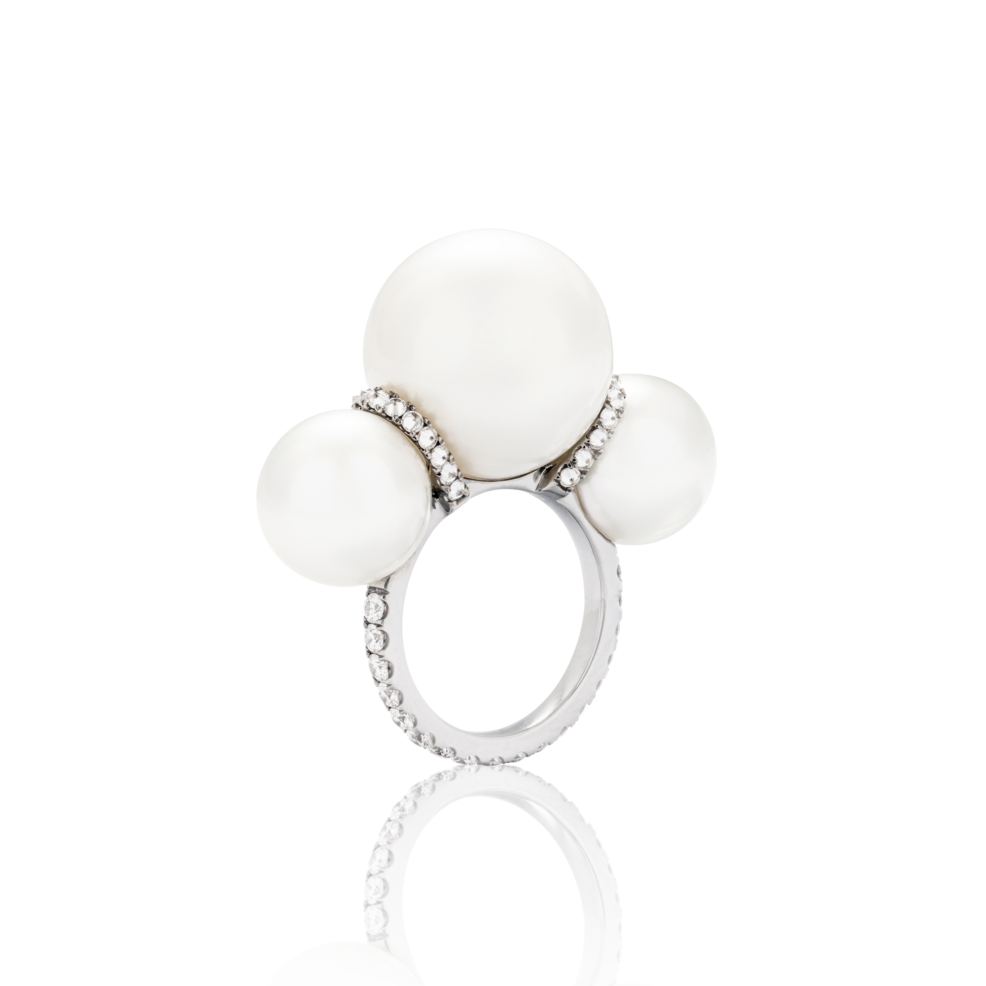 Tripple Pearl Ring Front View.jpg