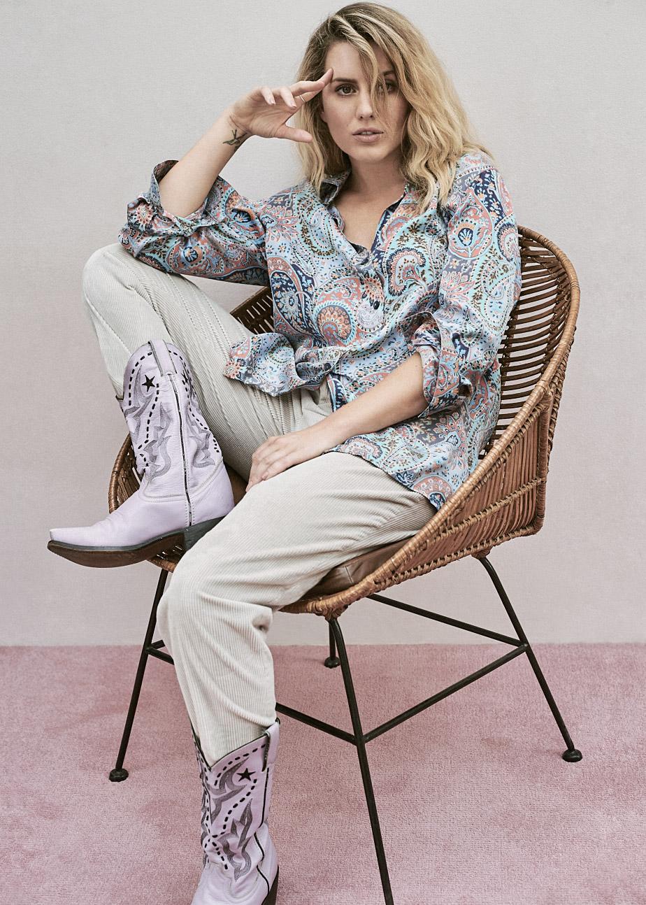 trousers FILIPPA K, blouse Vintage 282 PORTOBELLO, boots Stylist's Own