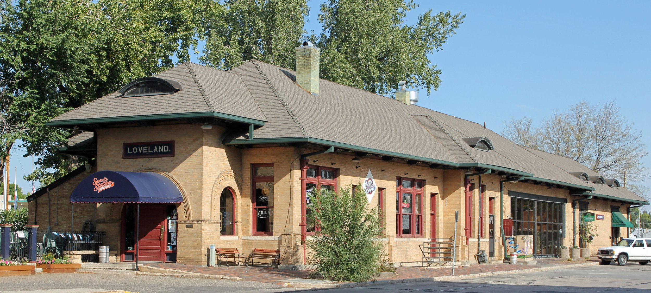 Colorado_and_Southern_Railway_Depot_Loveland_Colorado-min.jpg