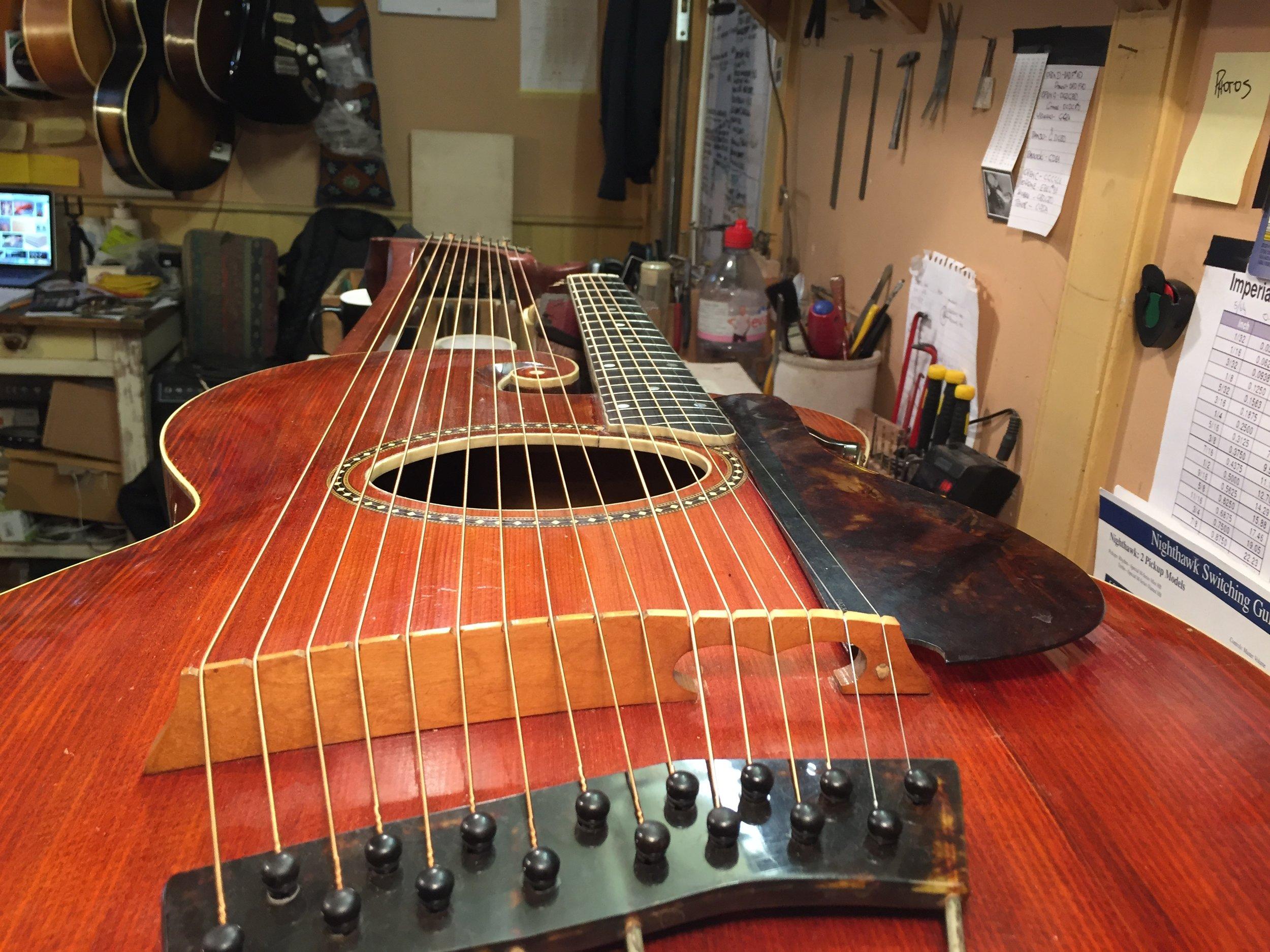 1913 Gibson Harp Guitar