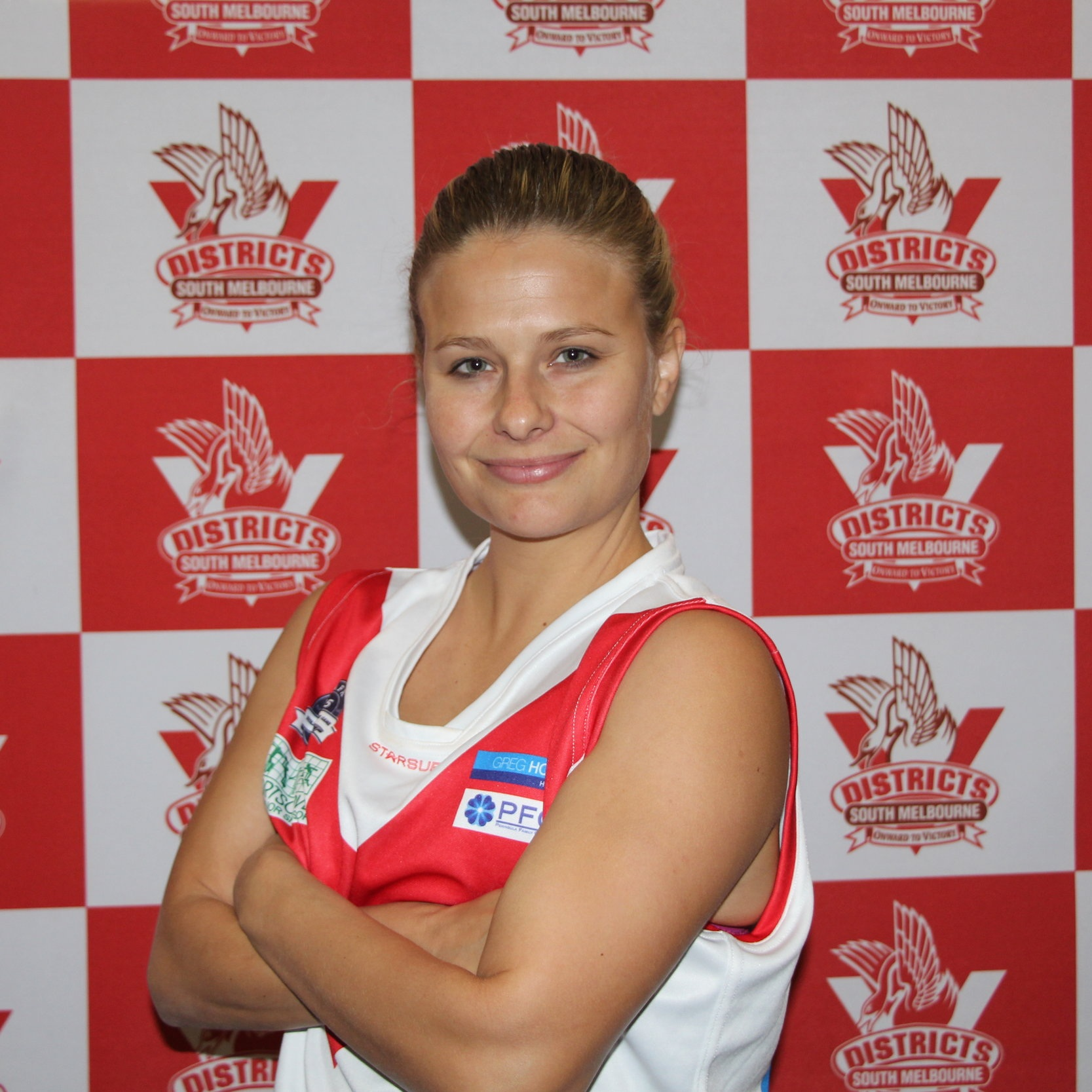 Tara  Tara is a one of the remaining 2017 players that bring sound footy skills and knowledge to the ground each week. She plays a physical, defensive game wherever she ends up on the ground and wears the #38 jumper with pride. Like many Bloods players Tara comes to us from another sport- American football! Not your average Victorian sport but we are pleased to have Tara as she changed over after a broken ankle. Off the field you'll find Tara drinking good wine, eating great steak and attempting to not fall through roofs (ask her!)!