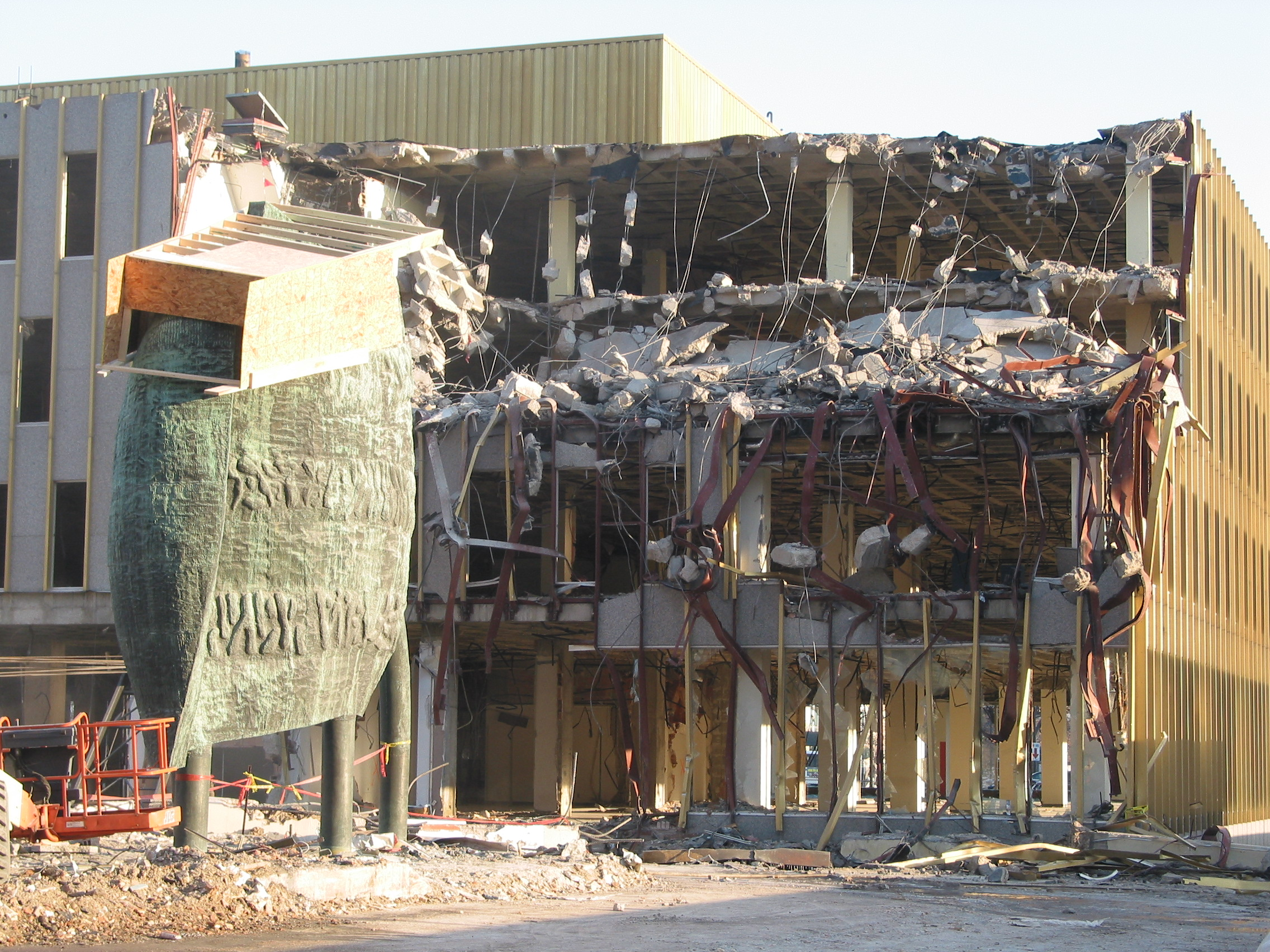 Demolition of the Minneapolis Public Library. Photograph by Charlene Roise.