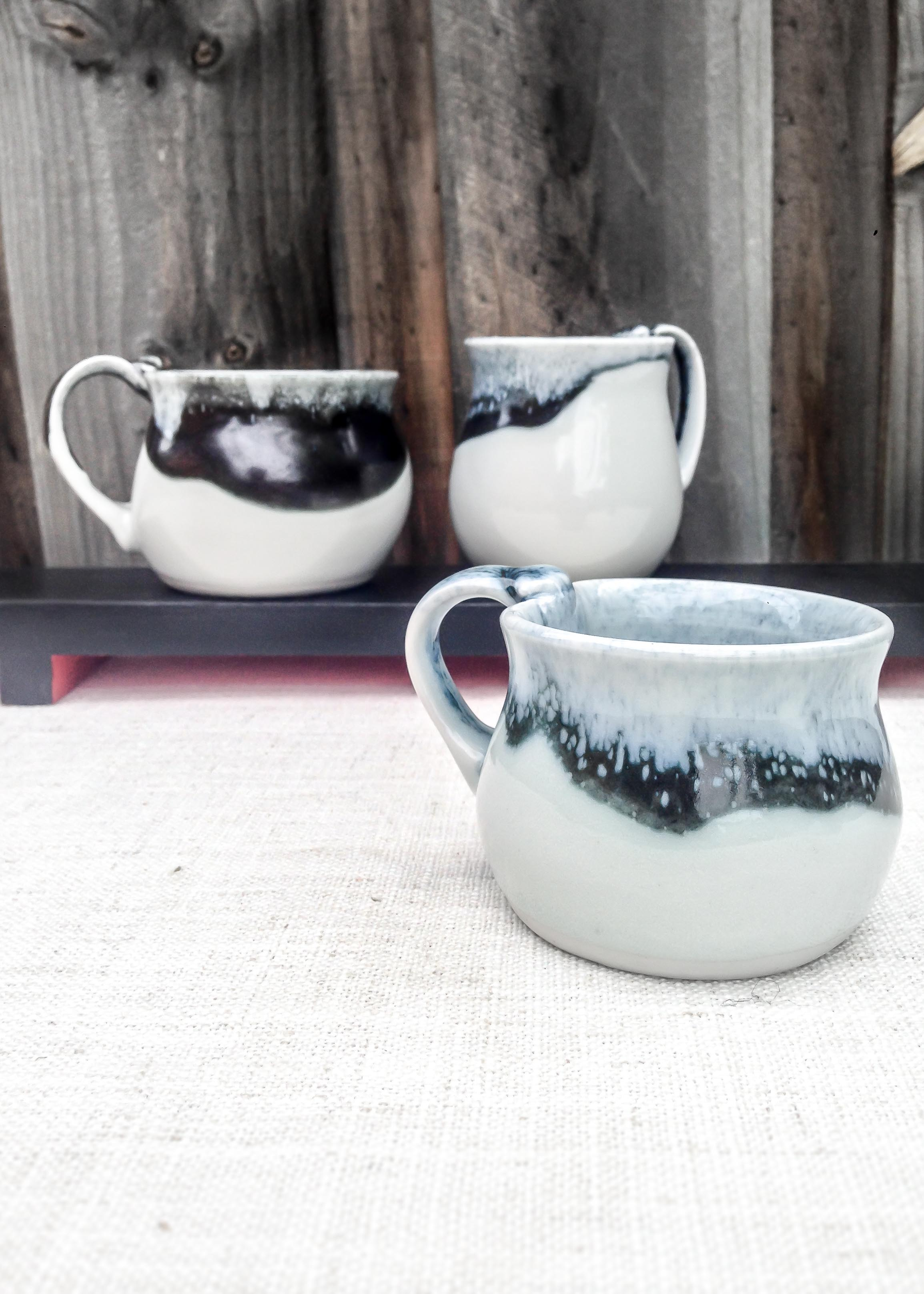 Snow Country Hugging Mugs