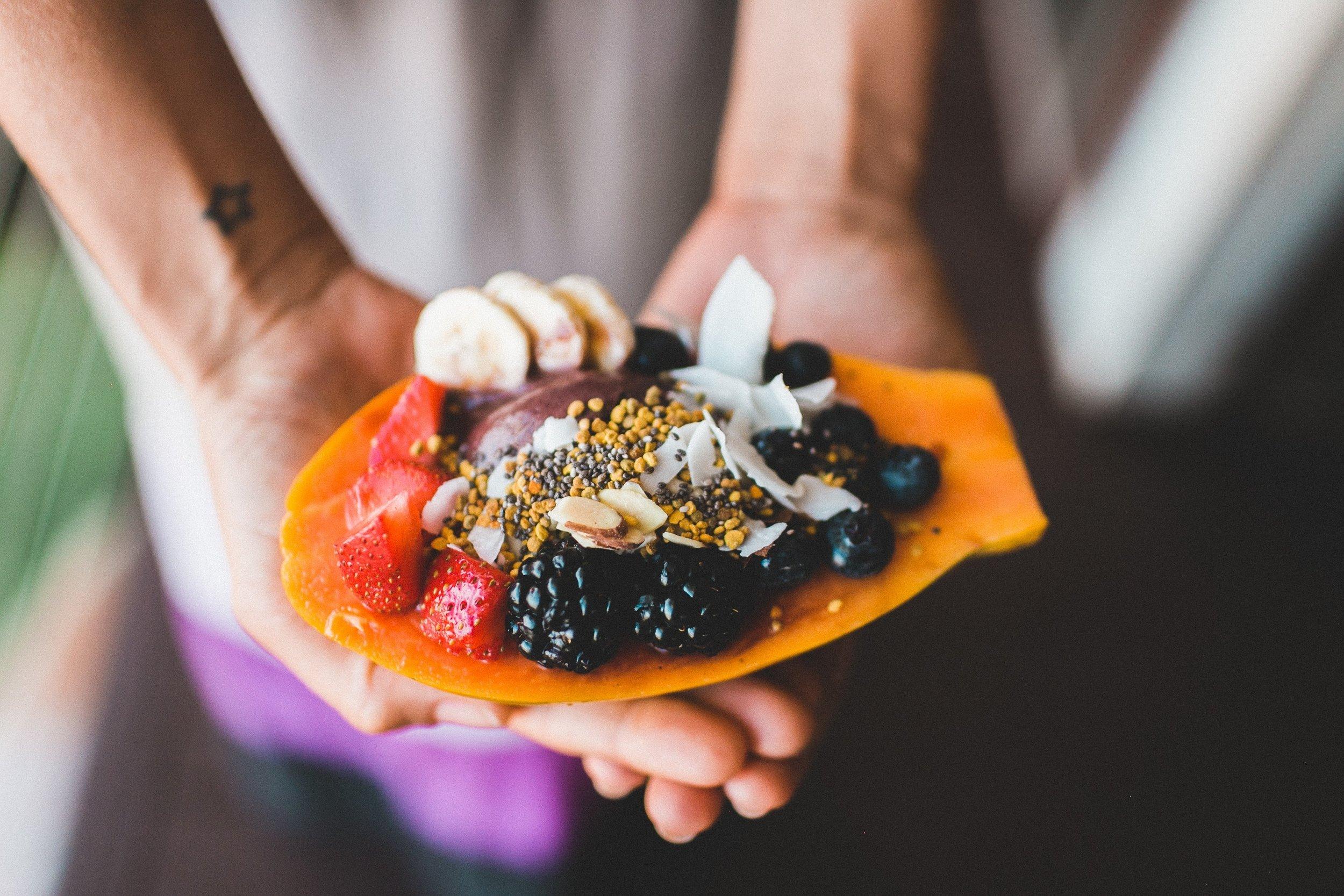 uwm.immune.diet.hand-plant-fruit-flower-dish-meal-633104-pxhere.com