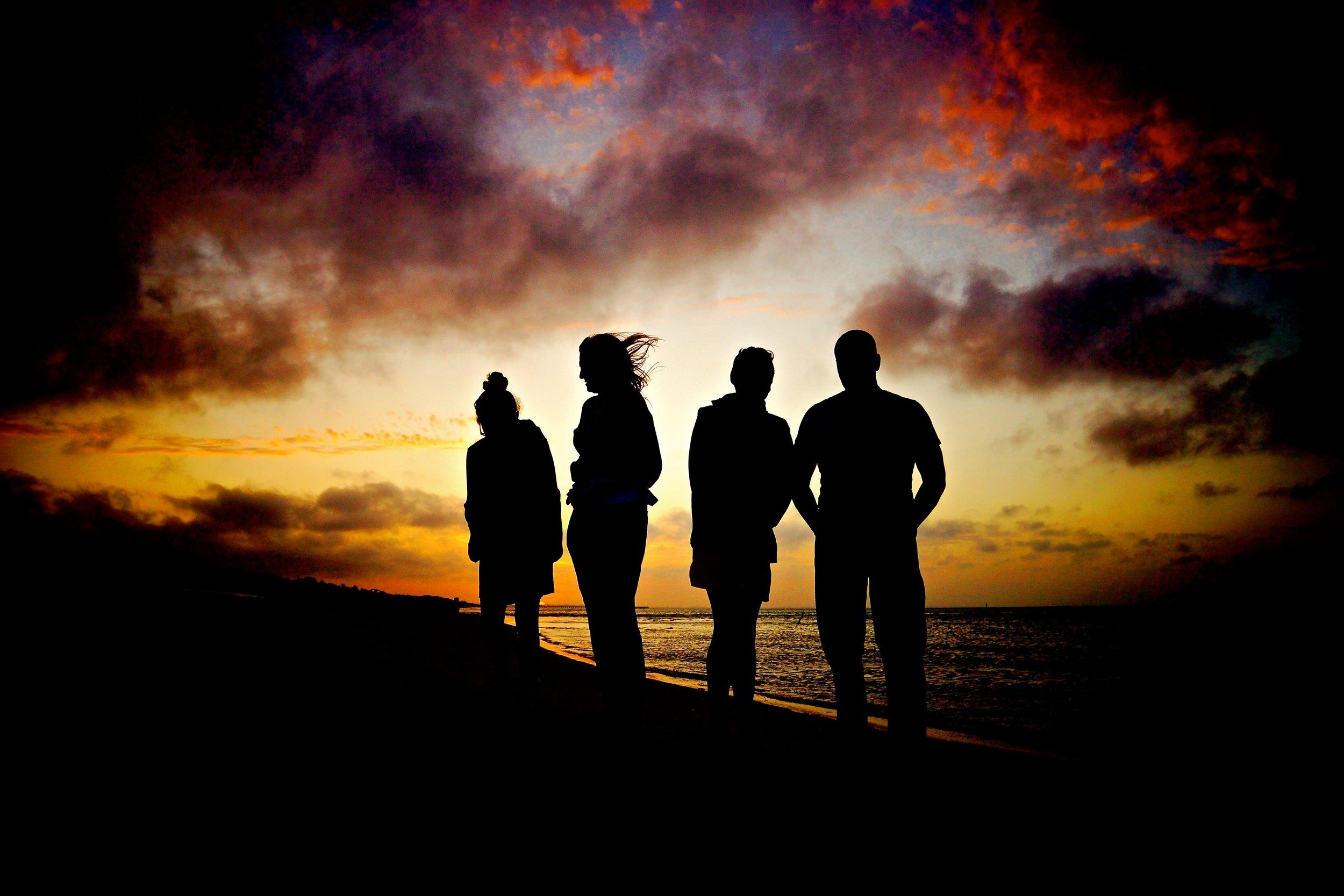 uwm.tribe.beach-landscape-nature-horizon-silhouette-gathering-868640-pxhere.com (1)