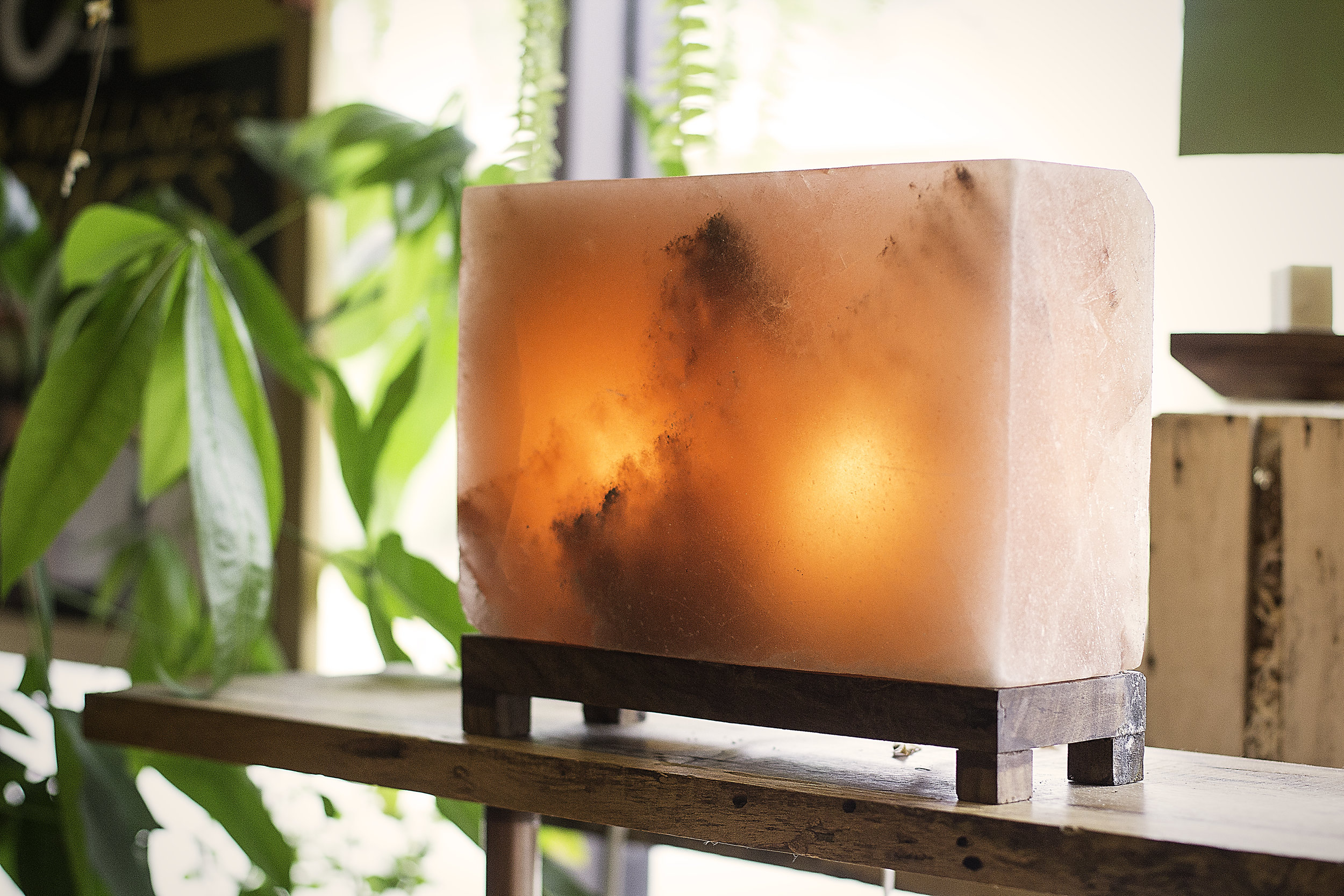 so-well-zen-rectangle-salt-lamp