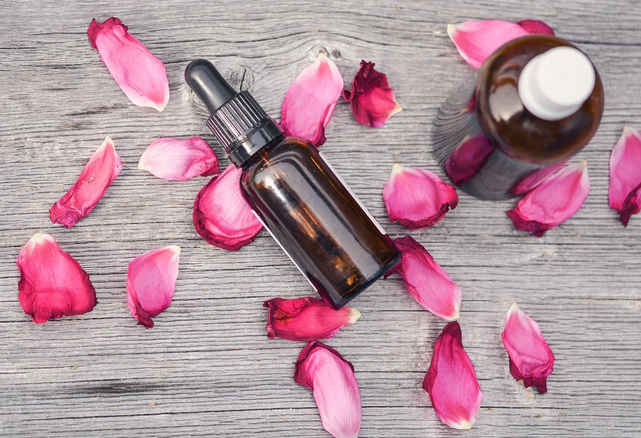 essential-oils-2535611_1280