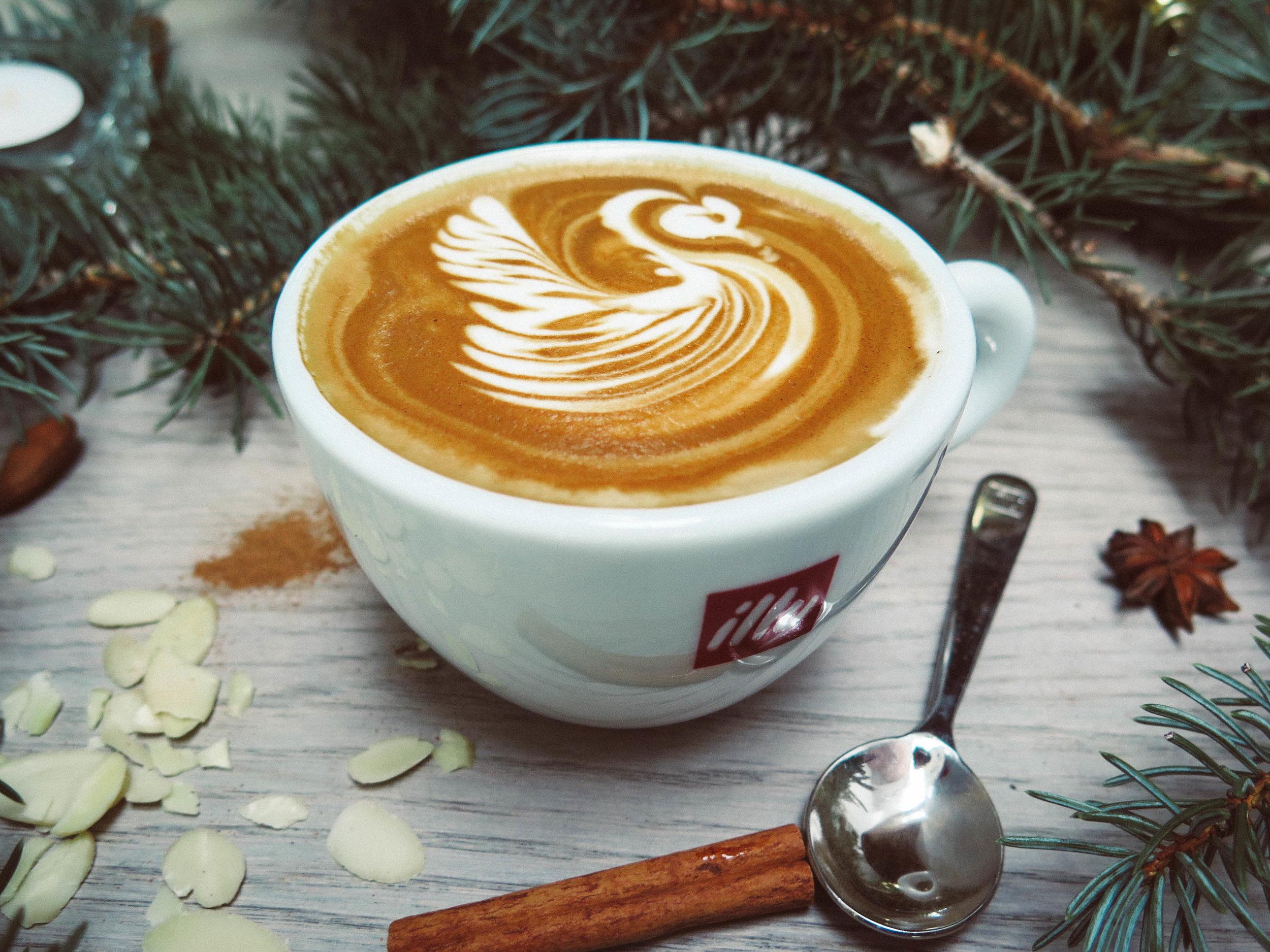 uwm.chainog.table-tree-branch-coffee-wood-dawn-925054-pxhere.com
