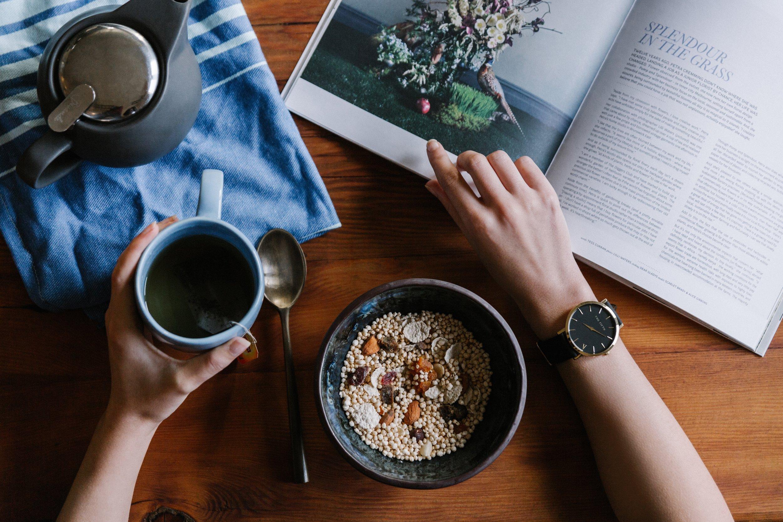uwm.organic.budget.watch-person-coffee-grain-fruit-berry-493363-pxhere.com
