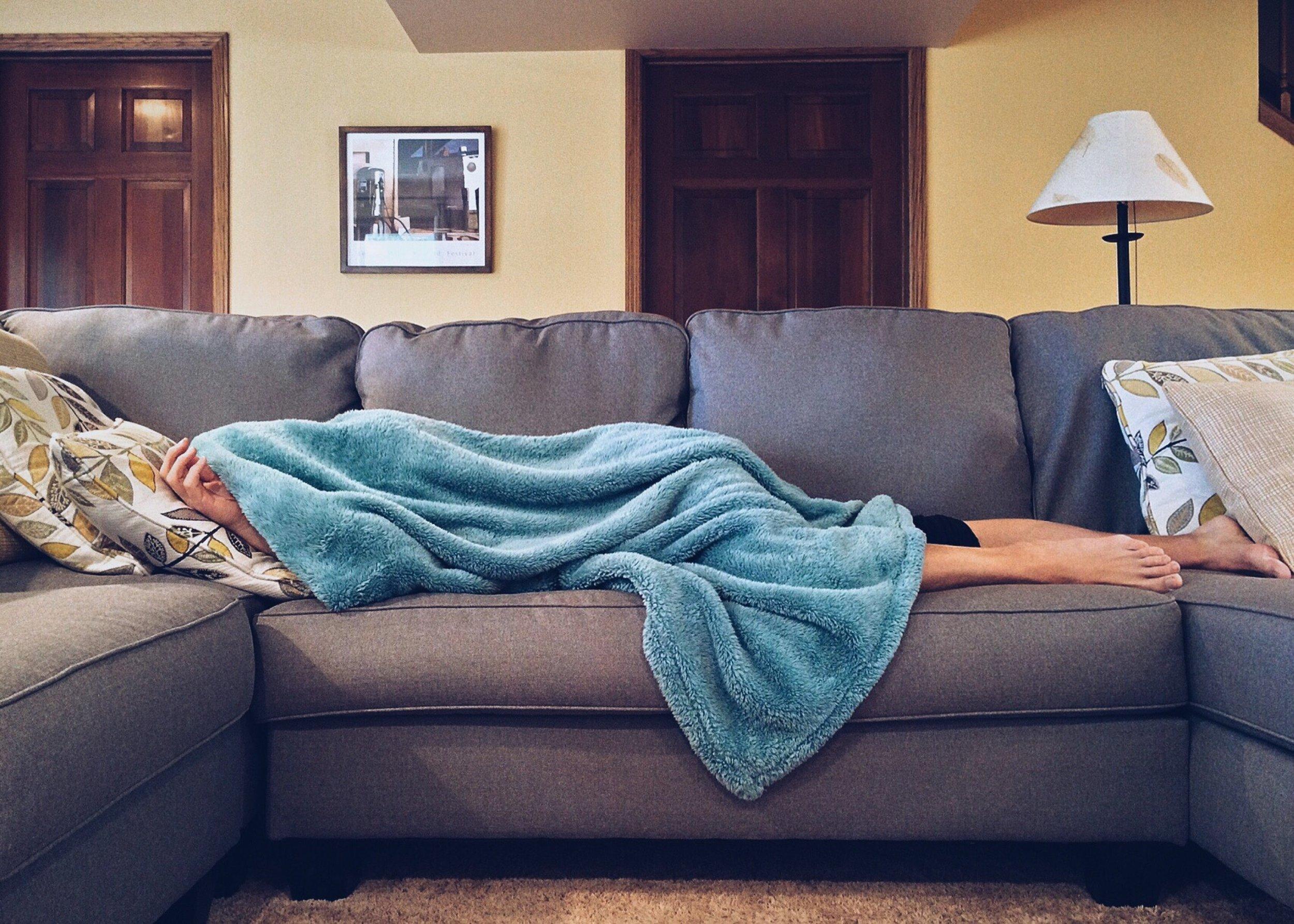 uwm.rightsidesleep.apartment-bed-carpet-269141.jpg
