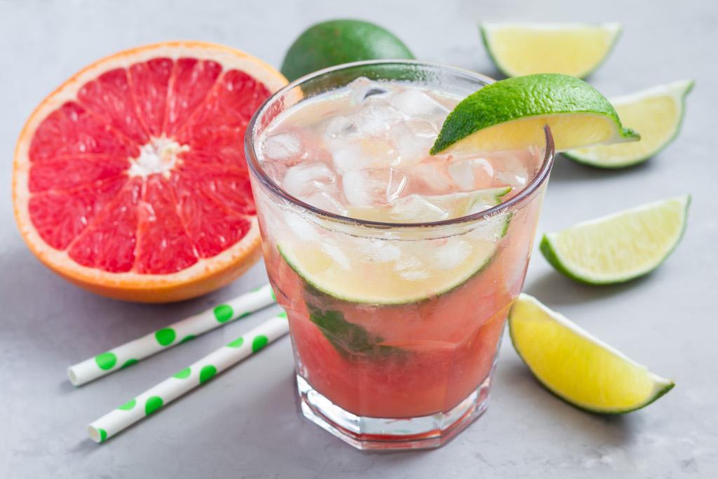 uwm.azunia.tequila.grapefruit.Paloma-Cocktail.jpg