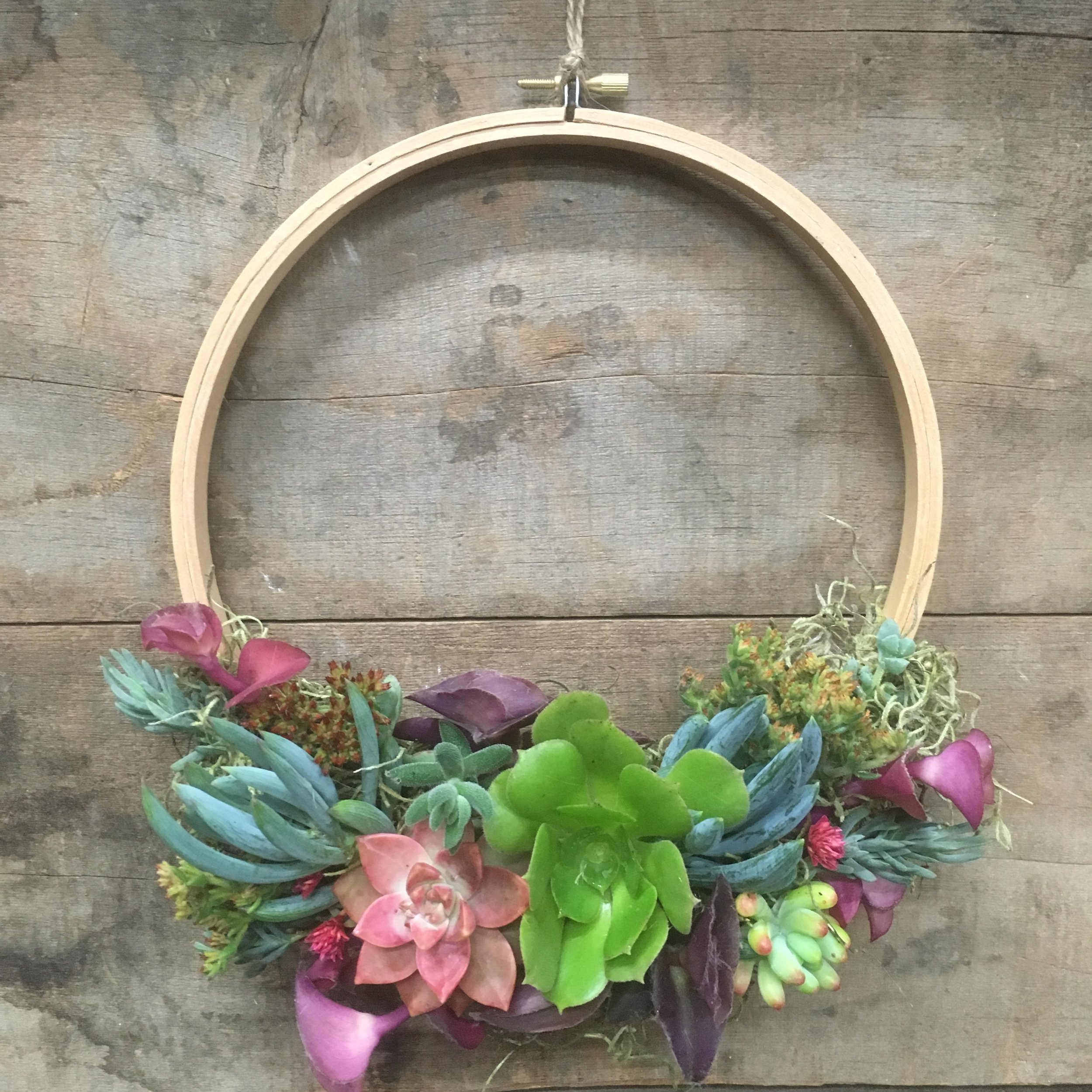 "8"" Embroidery Hoop Wreath"