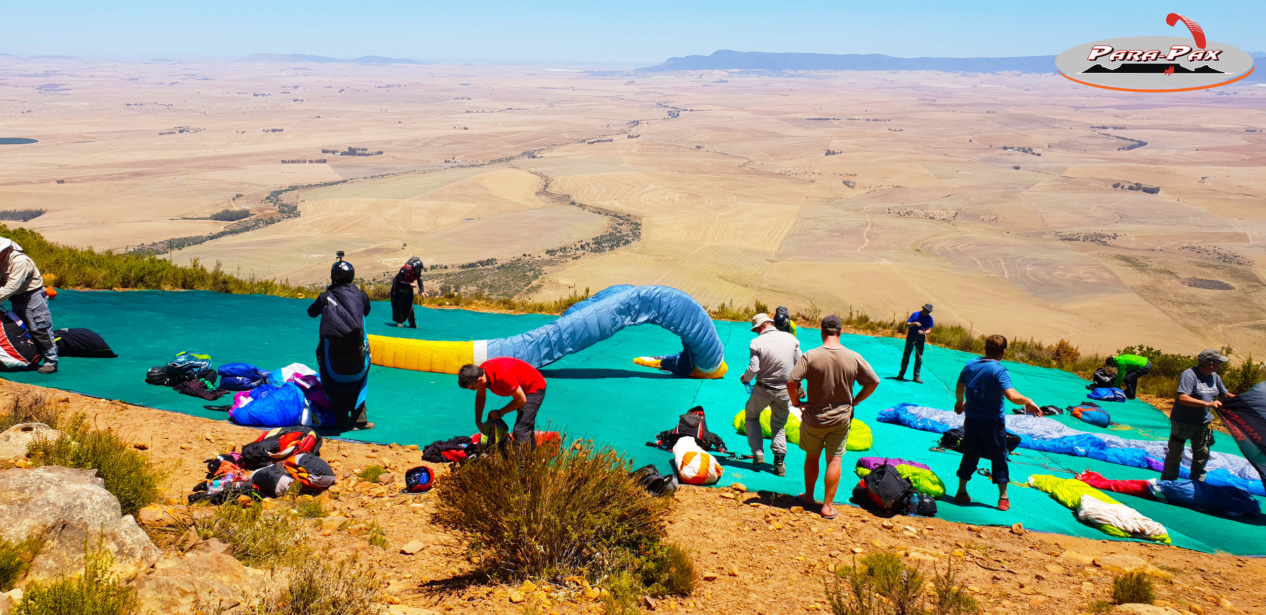 DAY TOUR - PORTERVILLE   Porterville is South Africa's top Cross Country site. Annual international competitions take place here. Here we fly far! Beautiful waterfalls,mountains, sunsets, bbq and beer . We make an early start from Cape Town driving the 130kms.