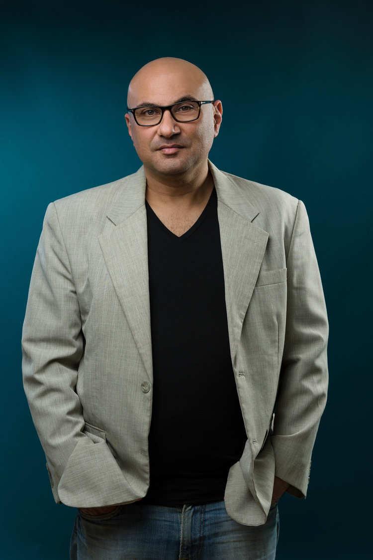 צילום פורטרט לגבר עם חליפה