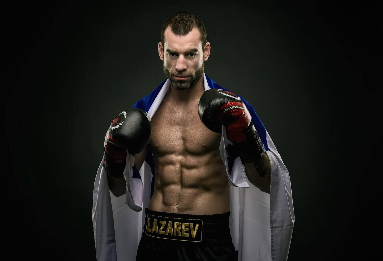 אלוף הארץ באיגרוף קלאסי - צילום : ניר רויטמן