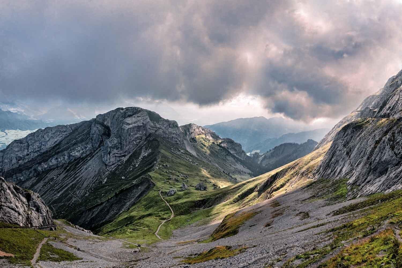 תמונת נוף - הר פילאטוס - צילום : ניר רויטמן