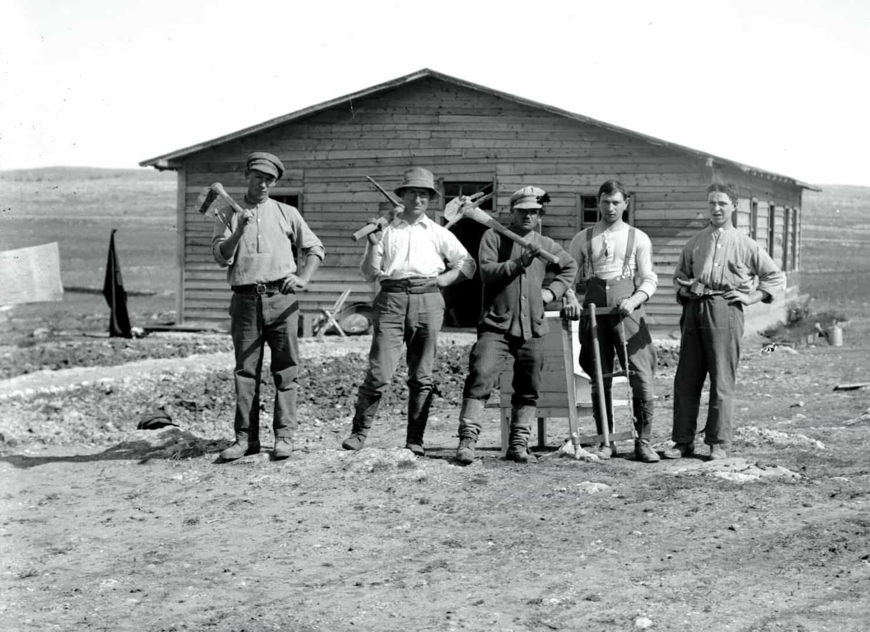 צילום של החלוצים העבריים. צלם לא ידוע.