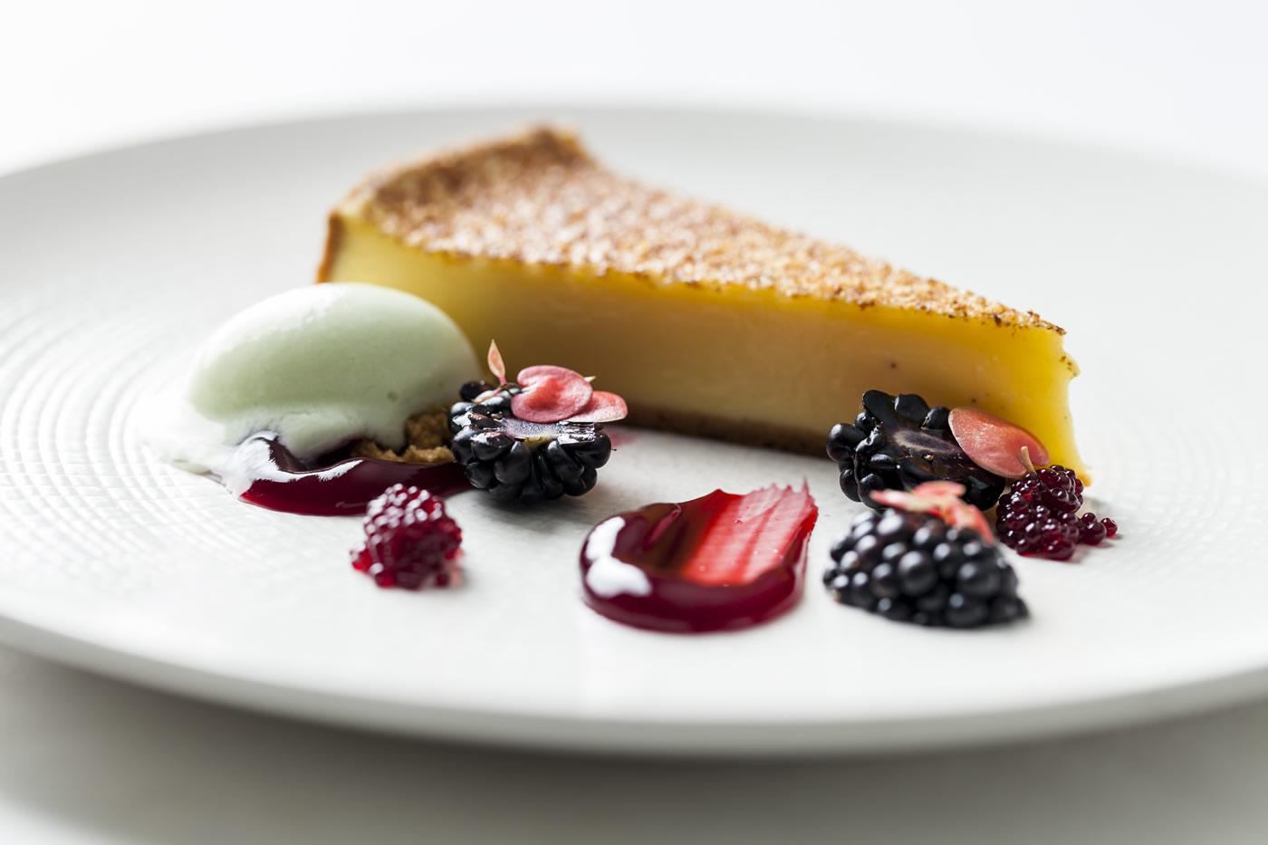 lemon tart & berries