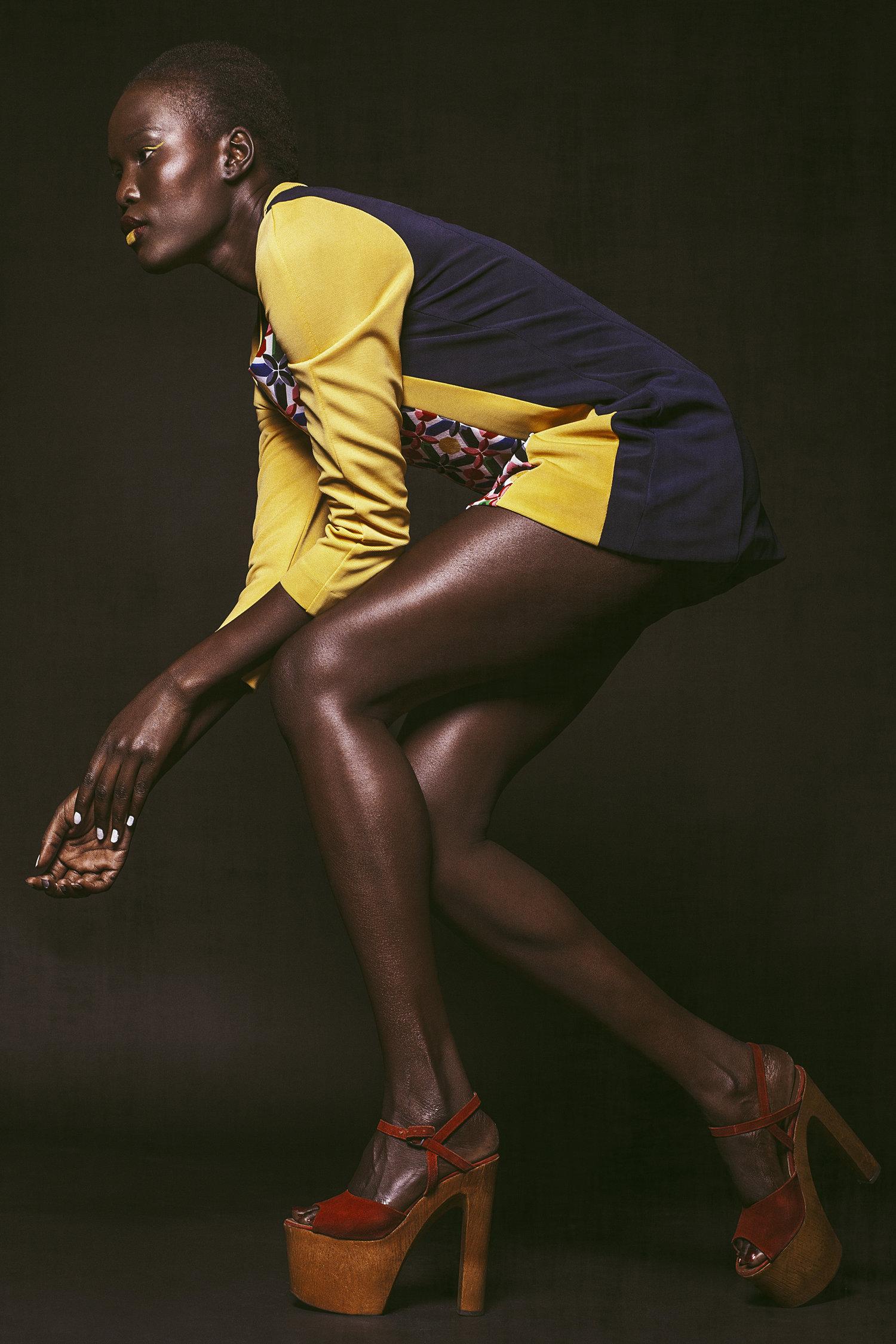 Séance photo avec top model peau noir foncé en studio montréal.jpg