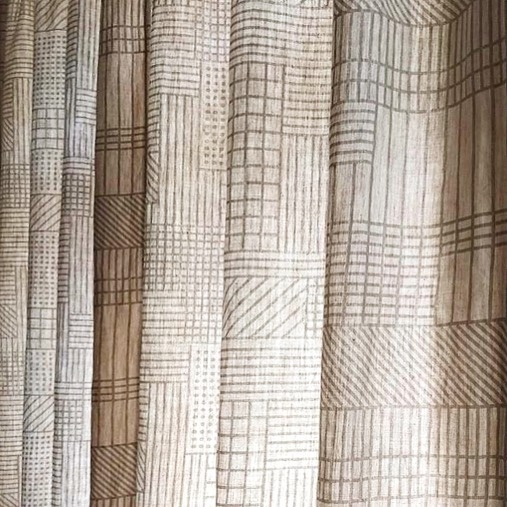 We printed this not long ago for our crafty good friends who live in Canada on @inkandspindle_ signature linen. They turned it into a beautiful curtain. Warm fuzzy feeling inside. Well done Rachel! 😍 #Repost @maiestia with @get_repost ・・・ Benefits of not using a blackout lining in the curtains, is how the light coming through particularly highlights the amazing print designed by @itismonolog
