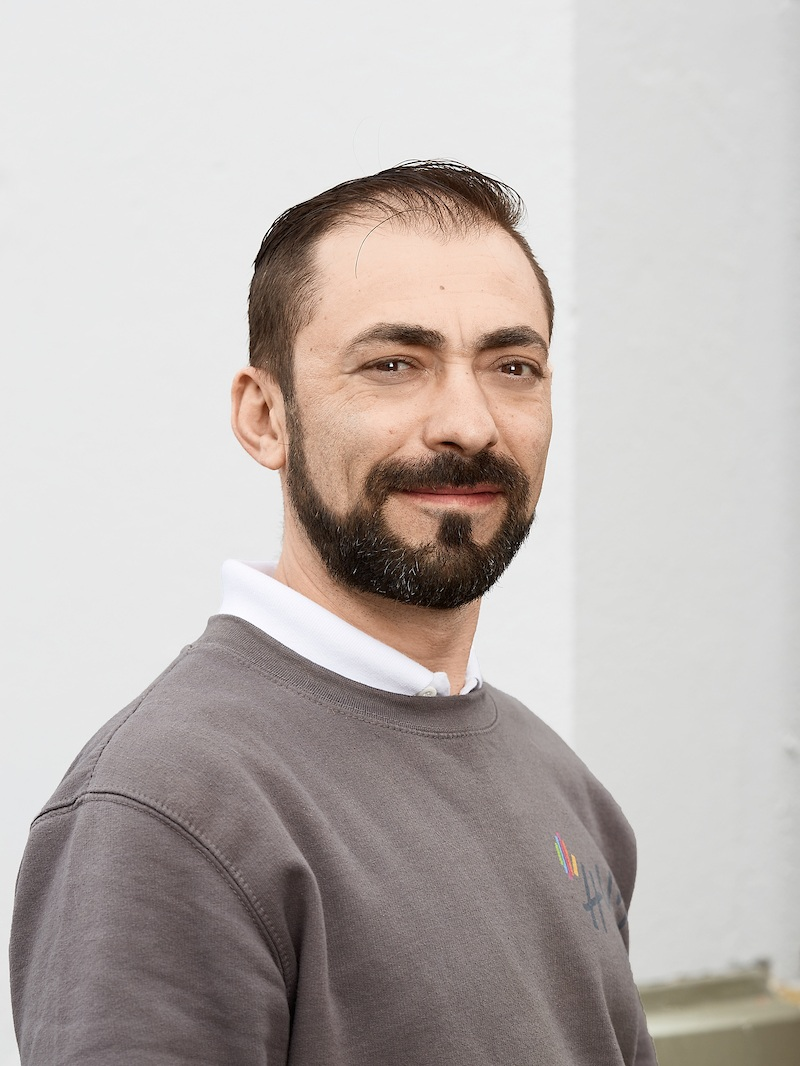 Hugo Rato has 20 years' experience with robotics in the automotive industry. The past 17 years he has worked for Hydro/Benteler Automotive Raufoss, programming and optimizing, welding, assembly and milling robots.    Phone:  +47 907 06 205  Email:  hr@hy5.no