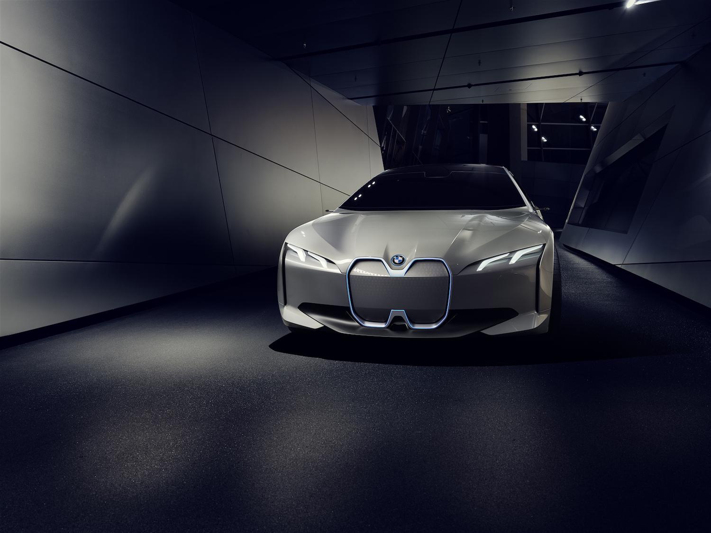 BMW_i_Vision_Dynamics_Real_V2_001.jpg