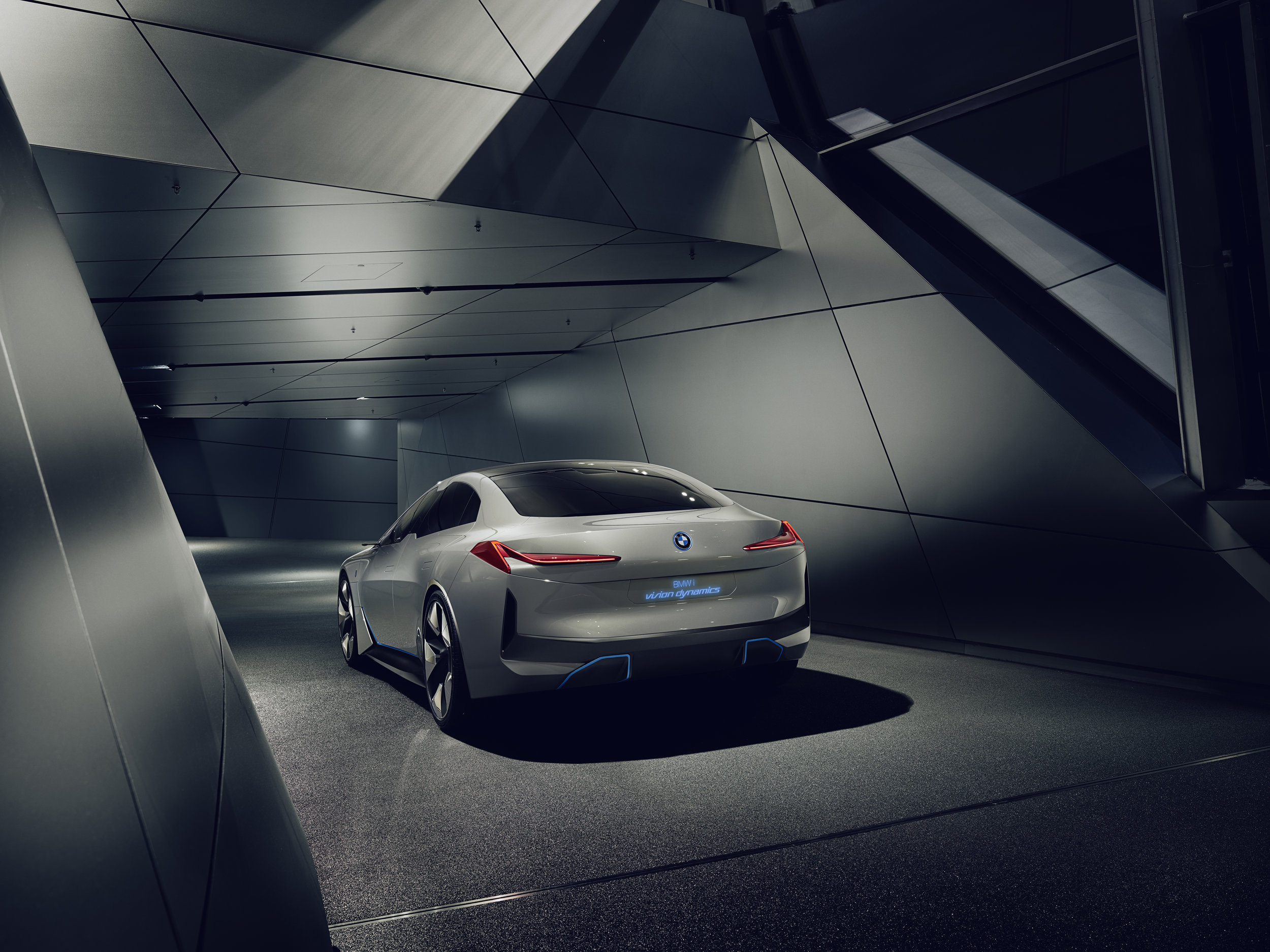 BMW_i_Vision_Dynamics_Real_V2_003.jpg